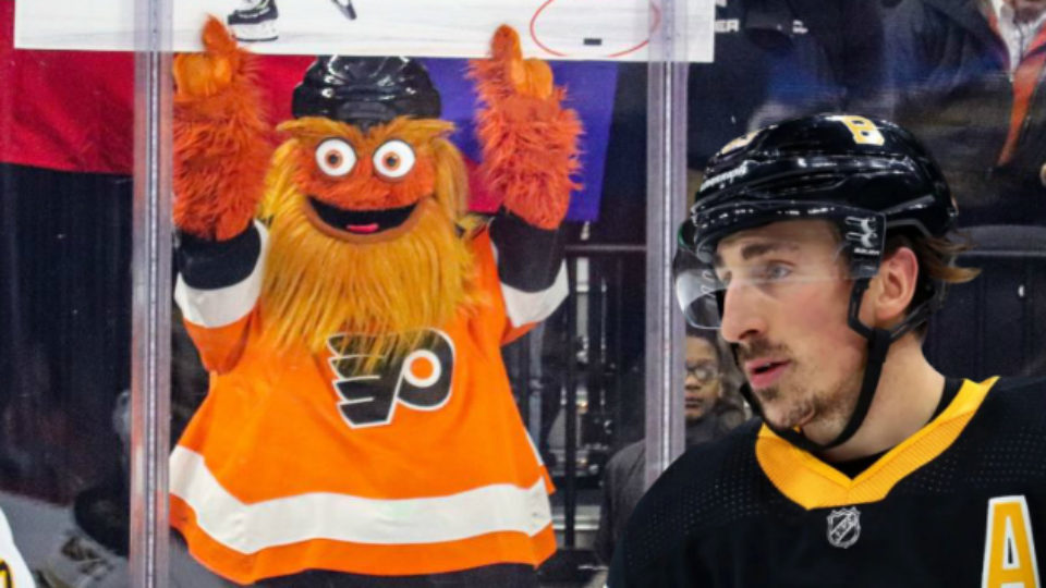 Gritty et Brad Marchand